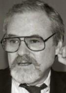 Алан Дж. Пакула