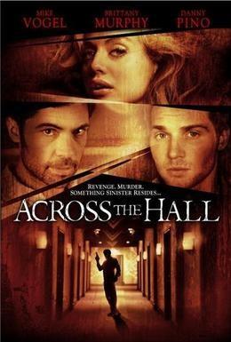Постер фильма Напротив по коридору (2009)