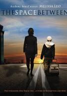 Между пространством (2010)