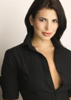 Андреа Леон