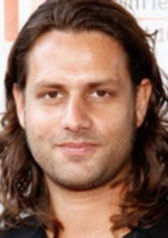 Адам Боусдукс