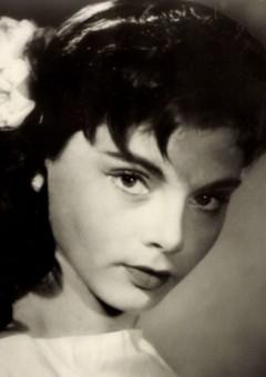 Мира Николич