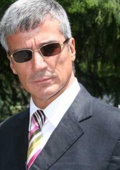 Рене Касадос