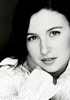 Джессика Баркер