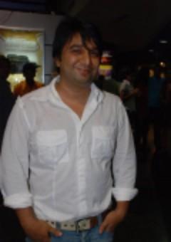 Ахмед Кхан