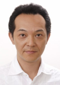 Ясухито Хида