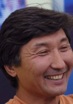 Серик Апрымов