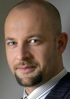 Шимон Бобровски