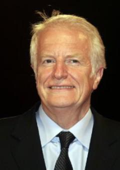 Андре Дюссолье